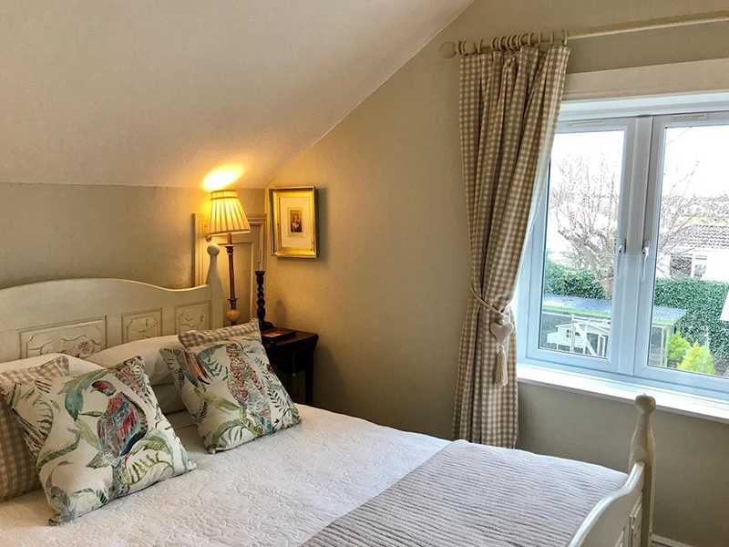 Deluxe King Room with Garden Views -